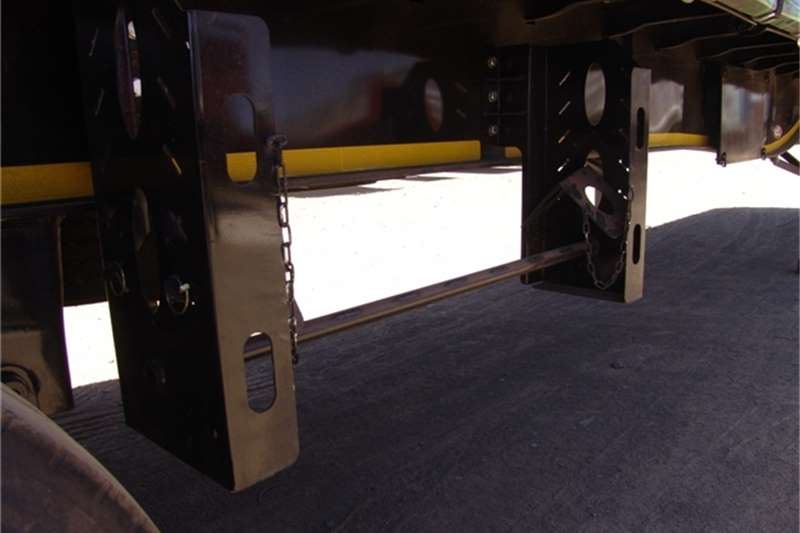 SA Truck Bodies Tautliner Tridem Tautliner Trailers