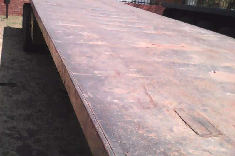 Satra Flat deck Tridem Flatdeck Trailers