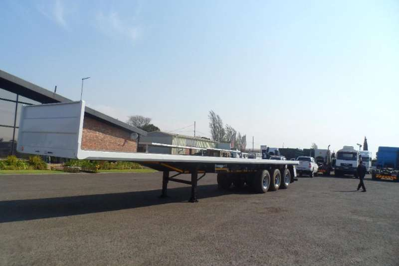 Satra TRI AXLE FLAT DECK  TRAILER SUPER SINGLE TYRES Trailers