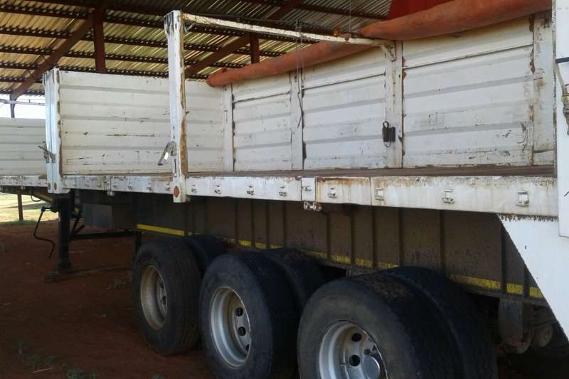 Side tipper Used Tri Axle with Sides   Cattle Rails Available Trailers