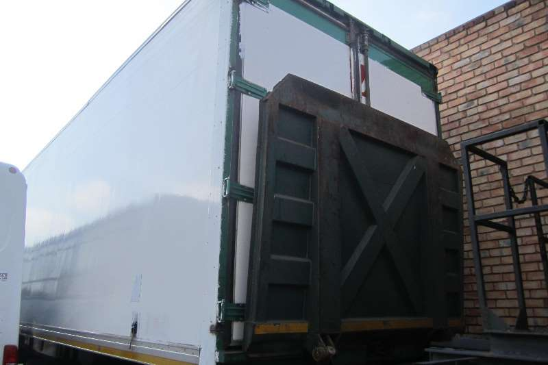 Superior Trailer Serco Tri Axle Fridge Trailers