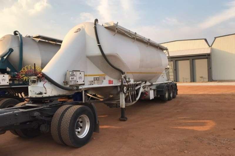 TEE Dry bulk tanker TEE Tri Axle Dry Bulk Tankers 2002 - 2006 Trailers