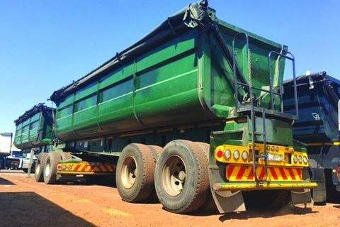 Top Trailer 45 Cube Side Tipper Links- Trailers