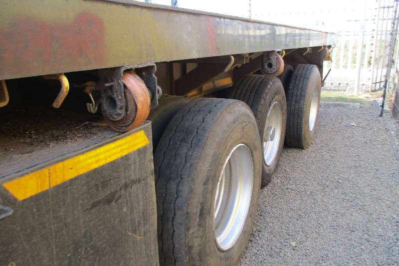 UBT 20m Extendable Tri axle Semi Trailers