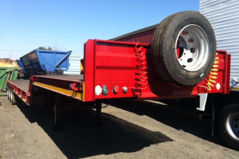 UBT Stepdeck NEW Trailers