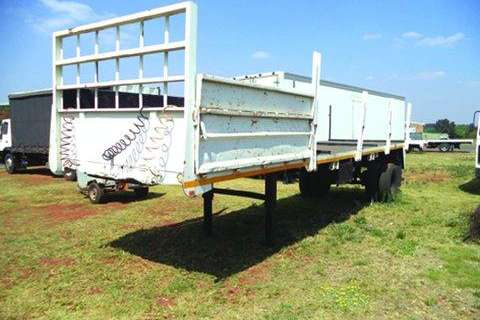 Welldeck Single Axle Trailer- Trailers