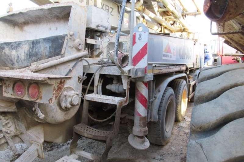 Astra Concrete mixer Astra HD8 84, Concrete Pumper Truck Truck