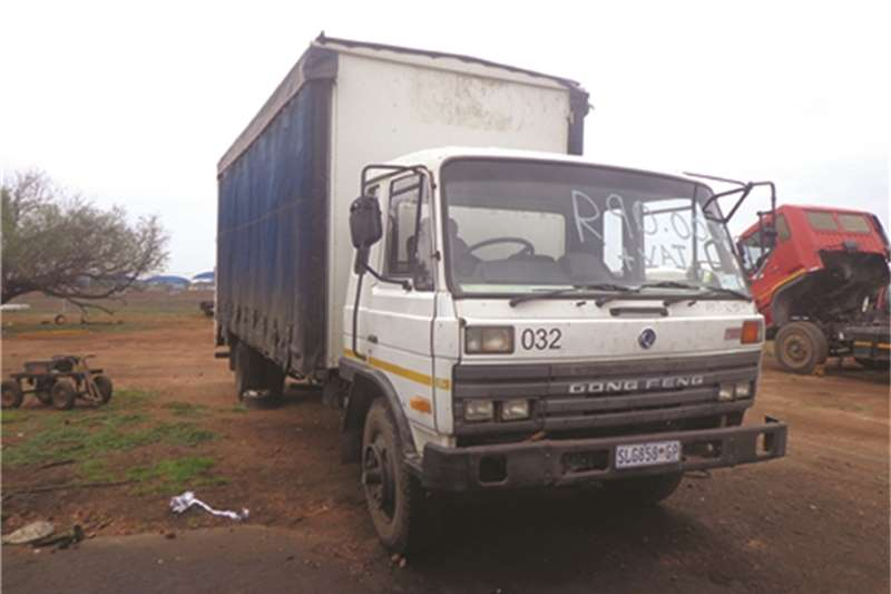 Dong Feng Curtain side 14-170 Warrior Runner Truck