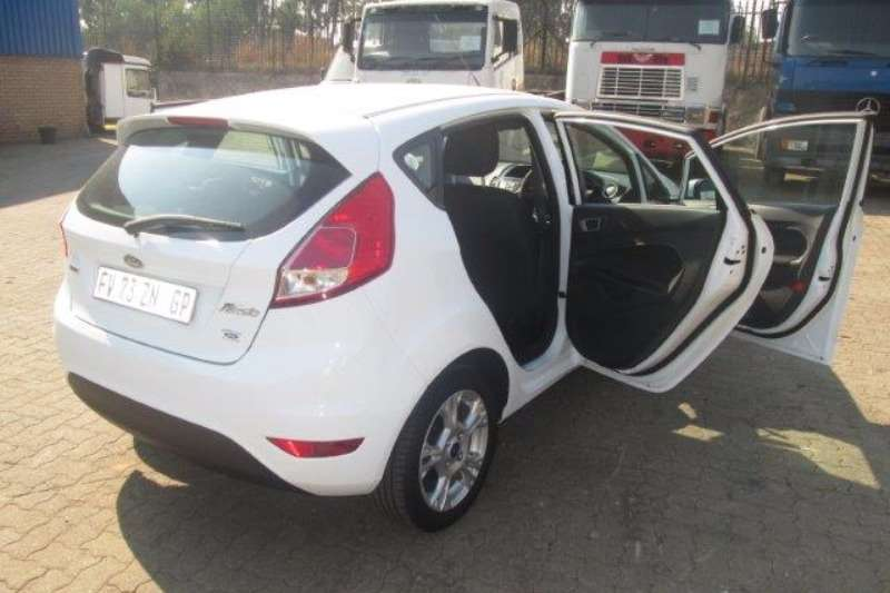 Ford Fiesta 1.0 EcoBoost Trend PowerShift 5Dr Truck