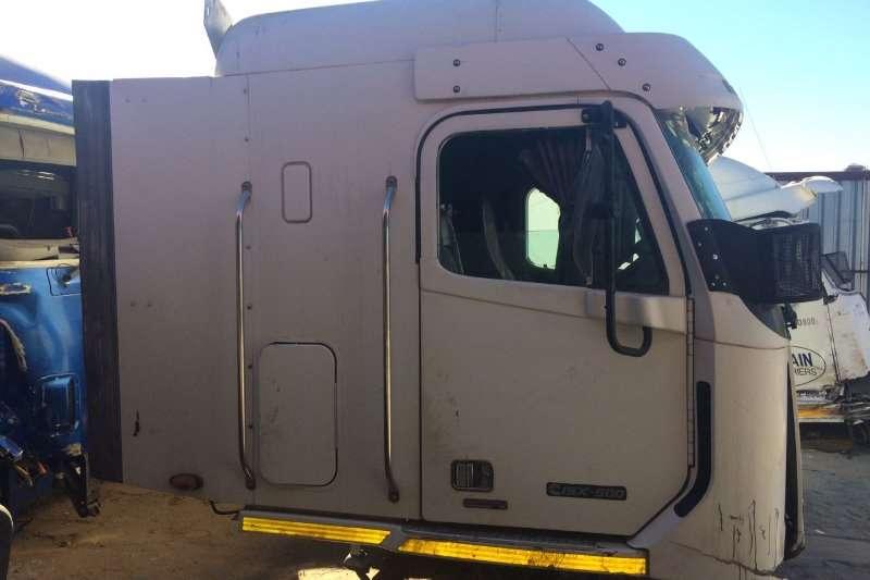 Freightliner Freightliner Argosy Cummins ISX500 CAB ONLY Truck