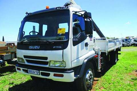 Truck FTR 800 Dropside with 13 Ton Pescy- 2005
