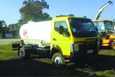 Fuso Canter 5000L- Truck
