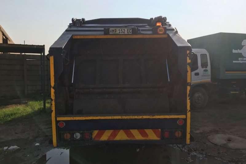 Fuso Compactor FM16-253 Truck