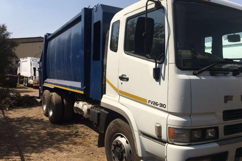 Truck Fuso Compactor FV26-310 2009