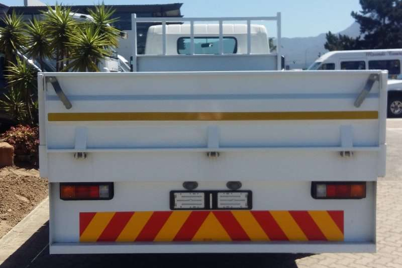 Fuso Dropside Canter FE7 136 Truck