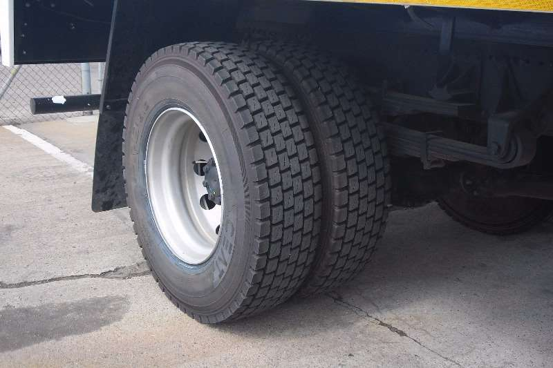 Fuso Dropside FJ16 230 Truck