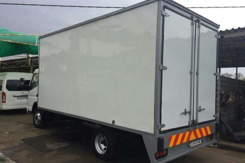 Fuso Van body CANTER FE 7136 Truck