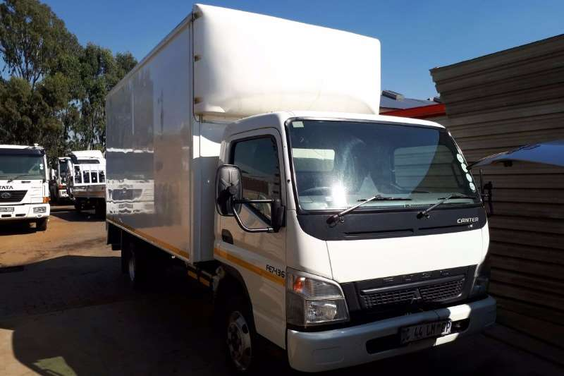 Truck Fuso Van body FUSO CANTER FE7-136 VAN BODY 5T 2014