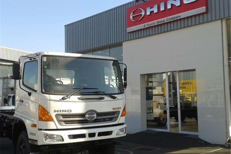 Truck Hino Chassis Cab  Hino 500 1322 4*4 FC 2016
