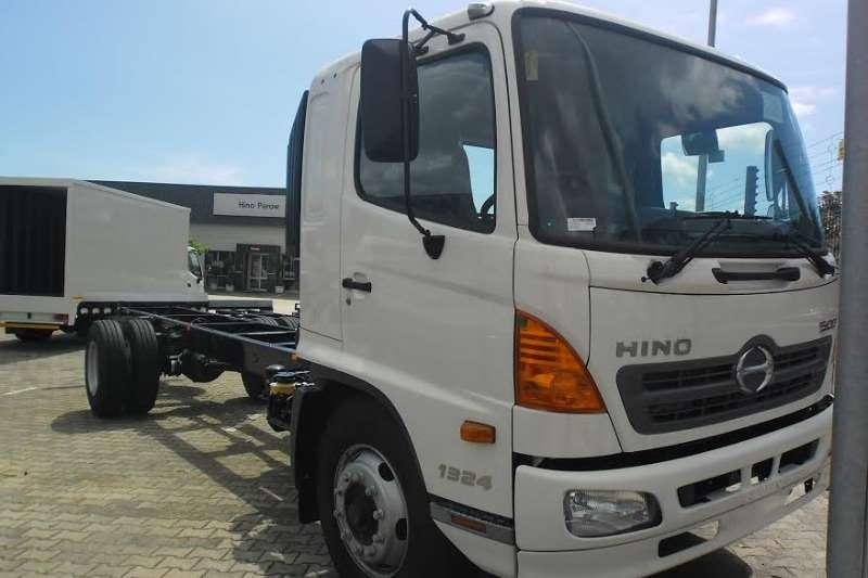 Hino Chassis cab Hino 500 1324 FC Truck