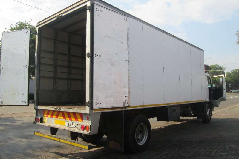 Hino Closed body 1626 Truck
