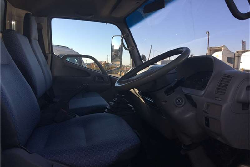 Hino Closed body 2013 Hino 300 814 Truck