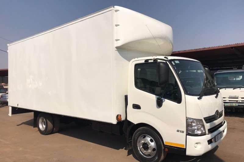 Truck Hino Closed Body HINO300 815 BOX BODY 2014