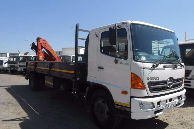 Hino Crane truck HINO 15-258 DROPSIDE WITH PK15500 CRANE Truck
