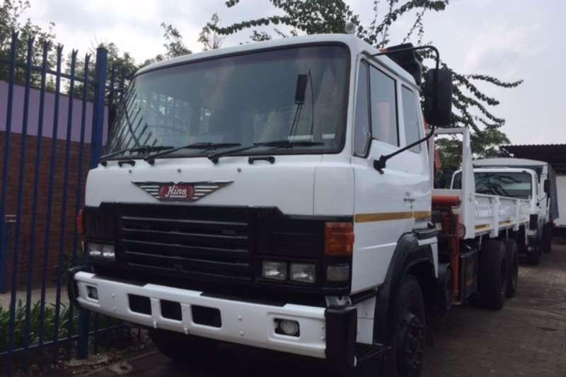 Hino Crane truck Hino 26.240 D/Diff Truck