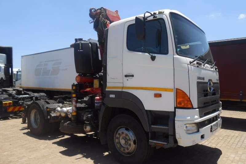 Hino Crane truck HINO 46-410 T/T WITH FASSI F330 CRANE Truck