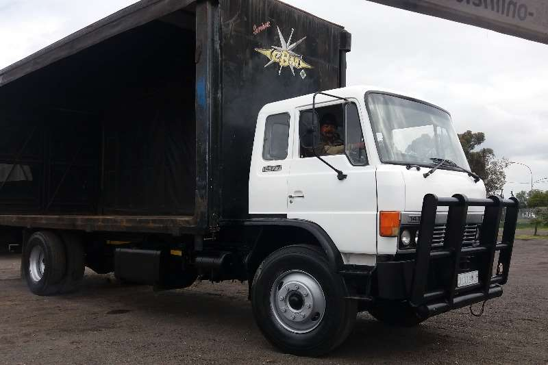 Truck Hino Curtain Side 14-177 1987