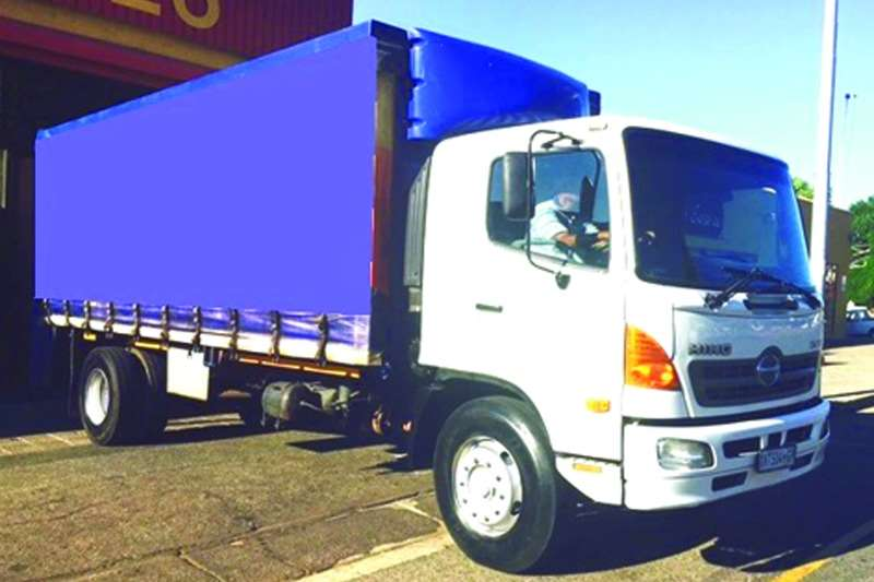 Truck Hino Curtain Side 15-258 2008