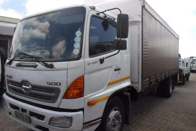Hino Curtain side HINO 500 15-207 TAUTLINER Truck