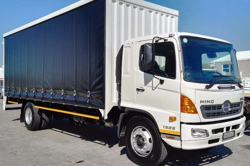 Hino Curtain side New Hino 500   1326 FC Truck