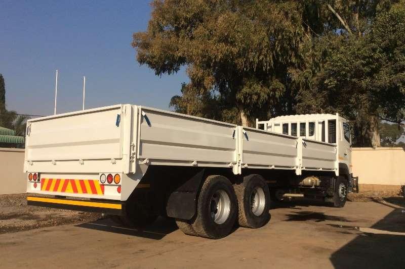 Hino Dropside Hino 700 2845 6x4 Mechanical Horse Dropside Truck