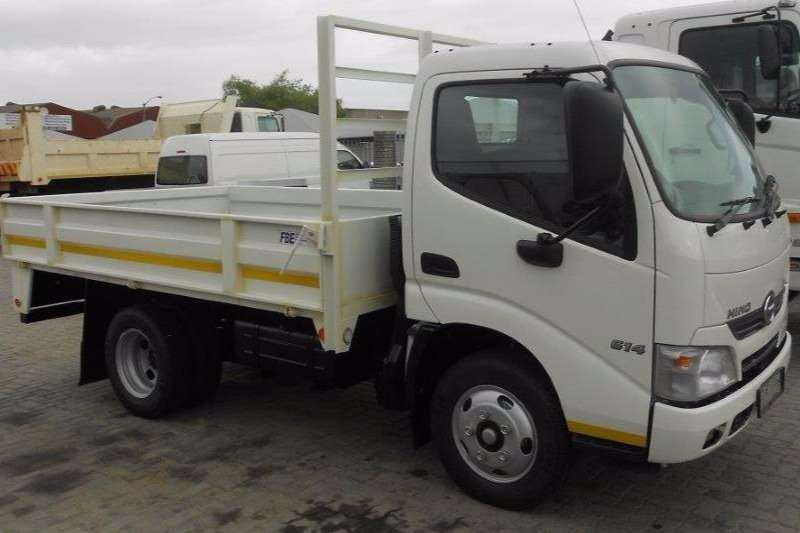 Hino Dropside New Hino 300 - 614 SWB Truck