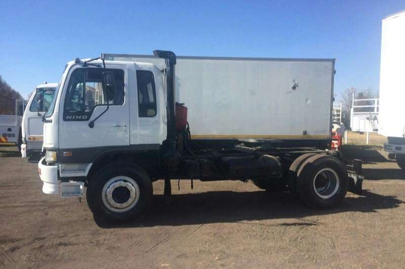 Hino F-SERIESS WITH 2 AXLE TRAILER Truck