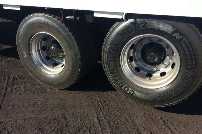 Hino Flat deck HINO 500 17 257 WITH TAG AXLE Truck
