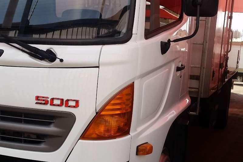 Hino Insulated fridge unit HINO 500 REFRIGERATED UNIT Truck
