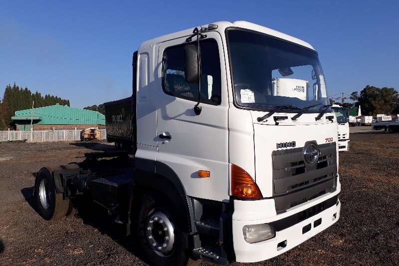 Hino Other Hino 700 46-410 Single Diff Horse Truck