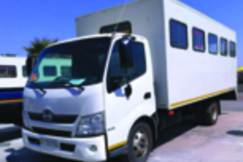 Hino Passanger carrier 300 814 Truck