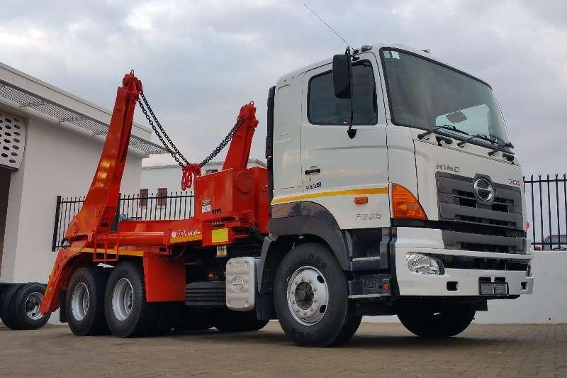 Hino Skip bin loader HINO 2838 Skip bin Loader Truck
