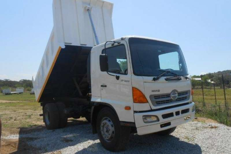 Truck Hino Tipper 0