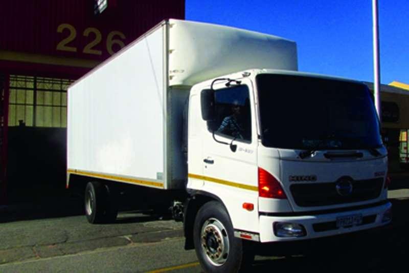 Truck Hino Van body 13-237 500 series 2009
