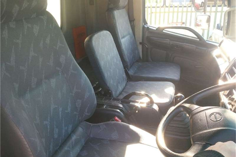 Hino Van body 1626 T/Liner Tag Axle Truck
