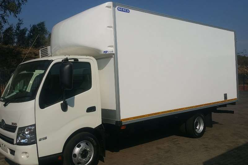 Hino Van body 300 815 Auto 5.2m Van body Truck