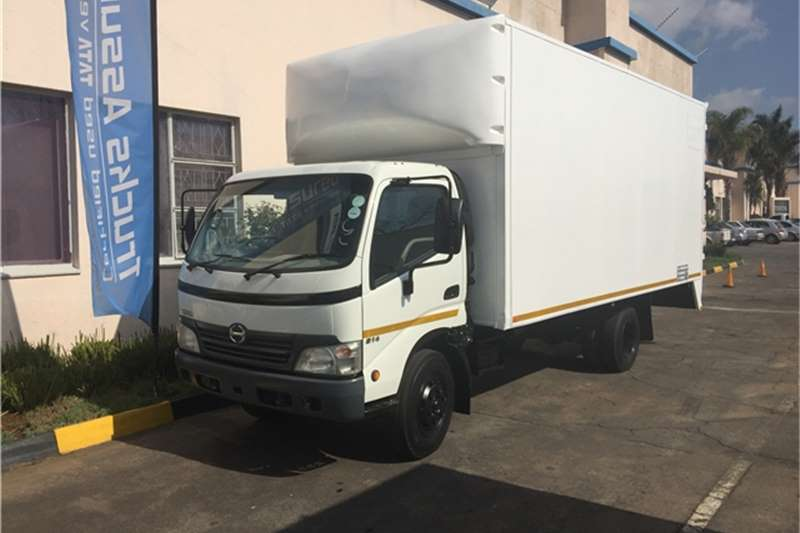 "Hino Van body HINO 300 814 VAN BODY 4T ""YEAR END SPECIAL"" Truck"