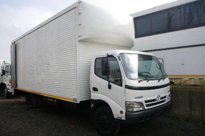 Truck Hino Volume Body 300 2012