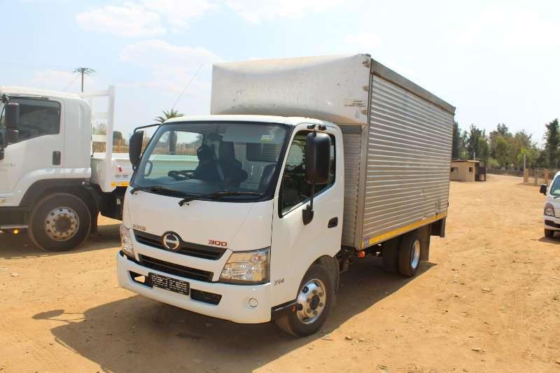 Hino Volume body Hino 300 4 ton volume body Truck