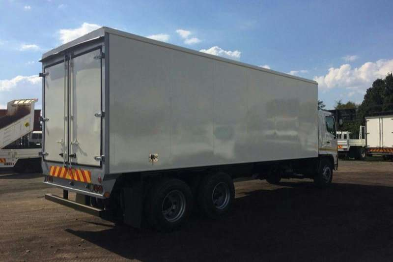 Hino Volume body SUPER F - 1626 DOUBLE DIFF Truck